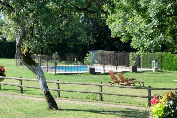 la ferme d'anna - grand gite  15 pers avec piscine proche sarlat14