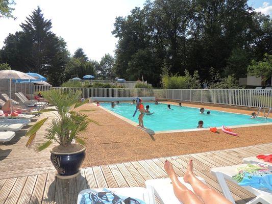 les-nauves-piscine