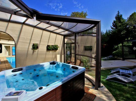 040231 - japifa - appartement sarlat - piscine couverte et chauffée - spa