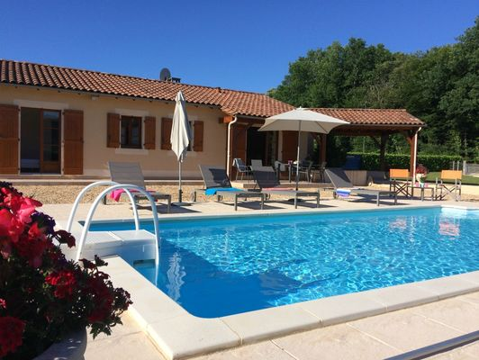 060056- chataigne-piscine privée - vallée vezere - lascaux. 1)