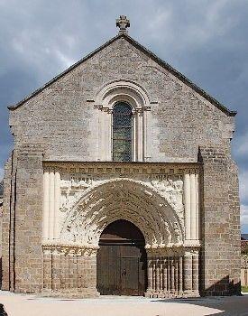 église saint gilles argenton-les-vallées.JPG_1