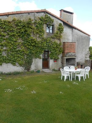La Bellivrie-jardin2-sit.jpg_1