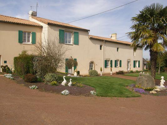 Beaulieu-sous-Bressuire-La Gareliere-facade-sit.jpg_1