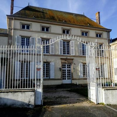 geay-chambre-dhotes-lancienne-ecole-facade.jpg_1