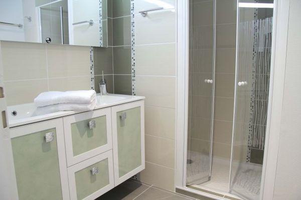 La salle de bain d'un appartement