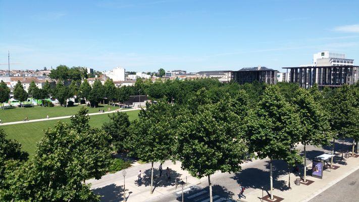 Les jardins de la Brèche vus depuis l'hôtel