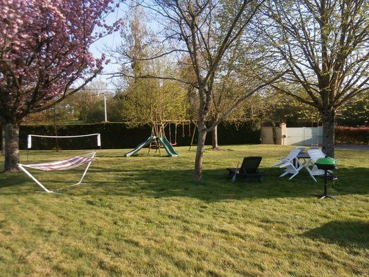 bressuire-gite-du-golf-jardin1.JPG_6
