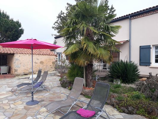 montravers-gite-lolivier-du-bocage-terrasse2.jpg_11