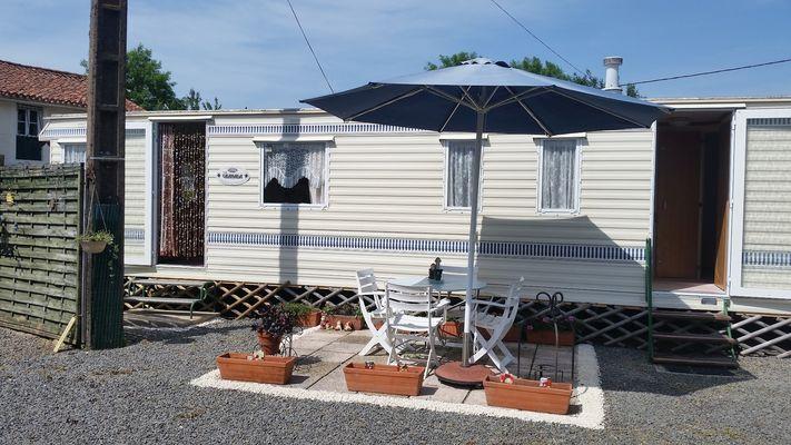 la-foret-sur-sevre-le-vignault-facade-mobile-home.jpg_1
