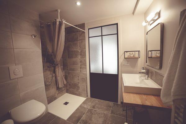 chambroutet-chambres-dhotes-la-belle-lurette-argile-douche.jpg_7