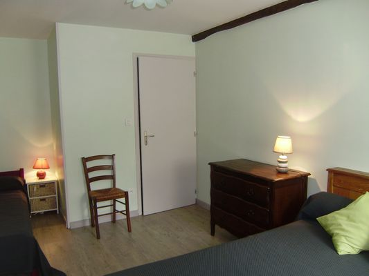 clesse-gite-puy-fleury-chambre5.jpg_9