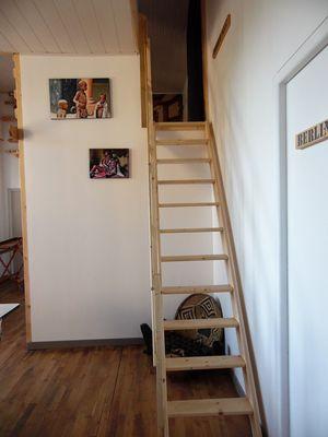 ecole-buissonniere-gite-lecole-du-voyage-escalier.jpg_12