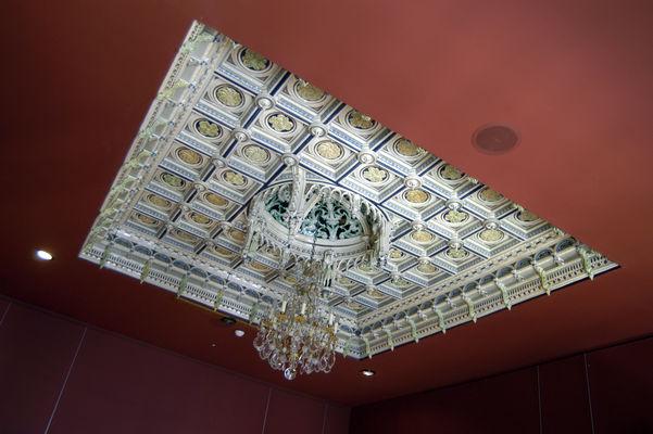 Le plafond en faïences de Parthenay (XIXème siècle)