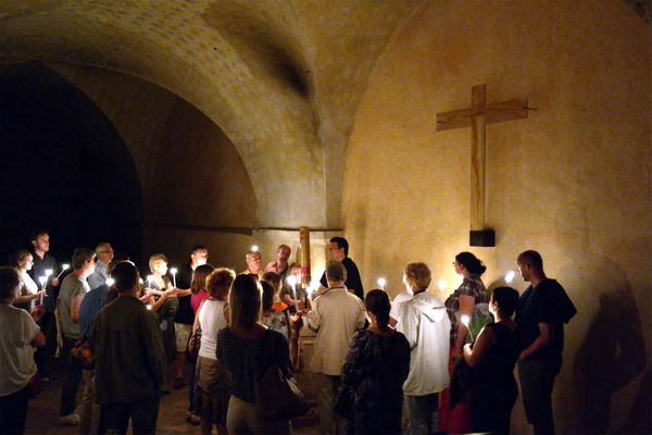 Chartres sanctuaires - Baptistère crypte - Copyright Office de Tourisme A. Jourdren