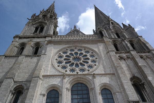 Clochets-de-la-Cathedrale-de-Chartres