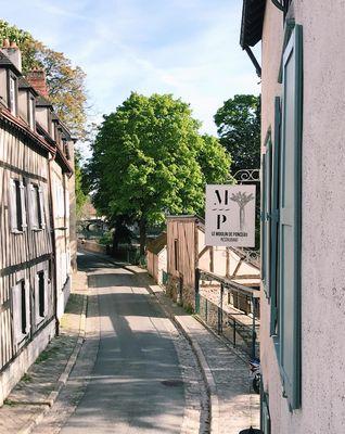 Facade-avec-enseigne---Moulin-de-Ponceau