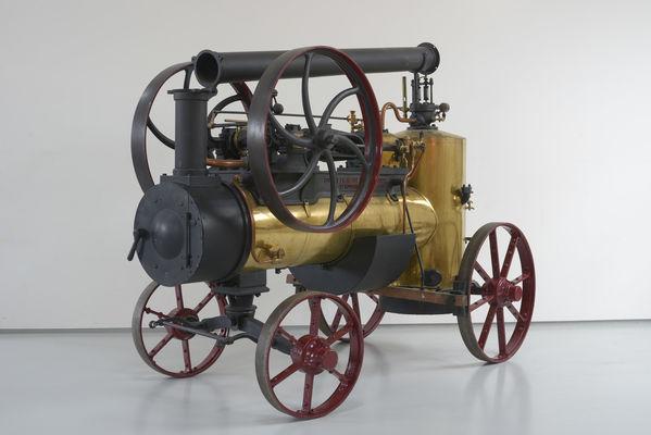 Locomobile-a-vapeur-Societe-Francaise-Vierzon