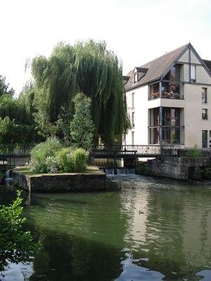Passerelle-des-3-Moulins----Office-de-Tourisme-de-Chartres