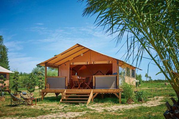 """Camping """"Le Bois Fleuri"""""""