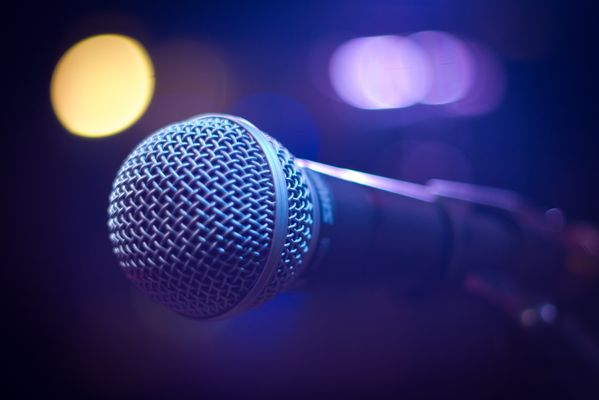 tilt-shift-photograph-of-gray-and-black-microphone-164879