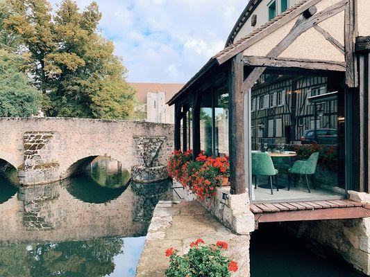 veranda-vue-eau---Moulin-de-Ponceau