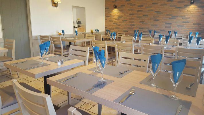 Hôtel le Capricorne-salle resto-Pouldreuzic-Pays Bigouden