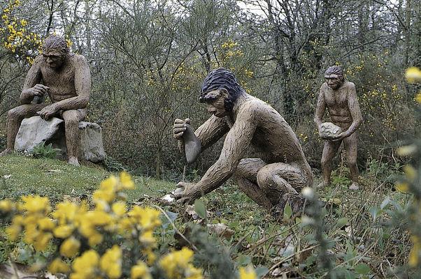 Parc de Préhistoire de Bretagne - hommes préhistoriques