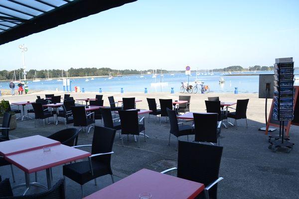 Restaurant Le Malamock II terrasse Ile-Tudy pays bigouden finistère bretagne