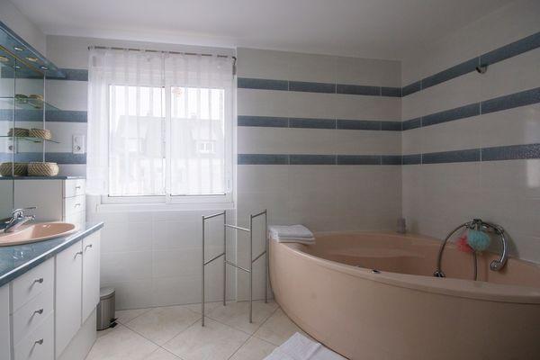 7-salle-bain-mr-bolore-erquy