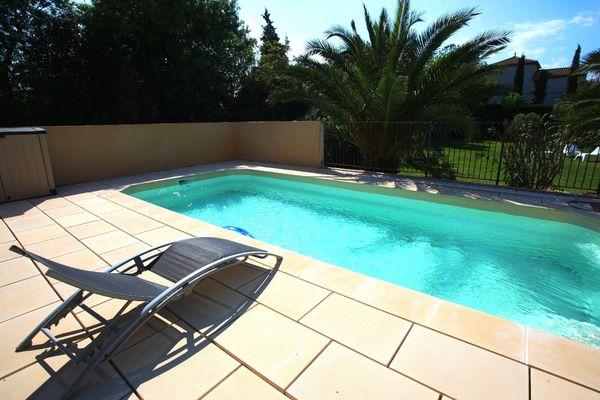 MAISON DE SARAH piscine