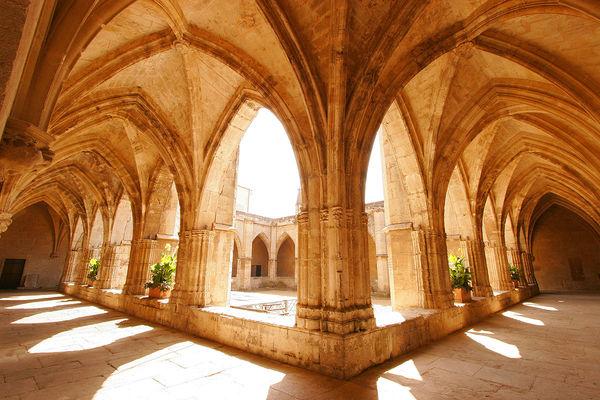 Cathédrale Saint Nazaire - Cloitre