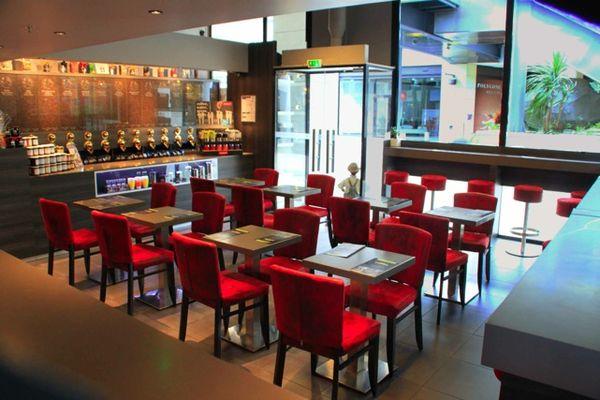 Cafes Etienne 1