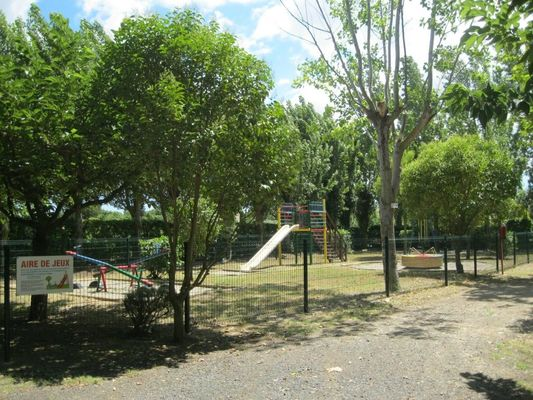 Camping Le Rebau7 - Montblanc