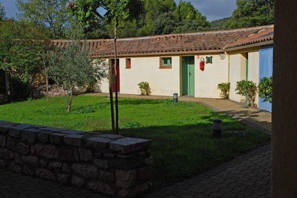 Campotel-de-l-Orb-Espace-vert-devant-gite-3-et-4-2018-Mairie-de-Roquebrun-2