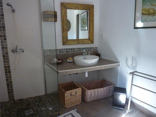 HLO-Colombieres-Les seilhols-salle_d'eau