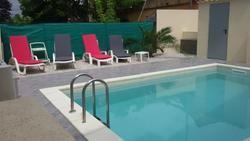 L-Instant-Soleil-terrasse-piscine_medium-large