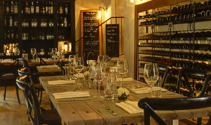Les Carrasses salle restaurant