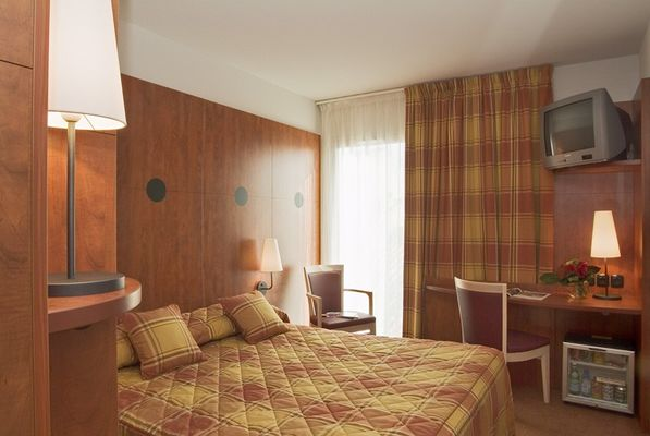 PHOTO HOTEL MERCURE BEZIERS