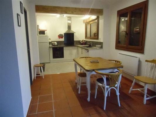 Petit chalet après rénovation Cuisine et salle à manger
