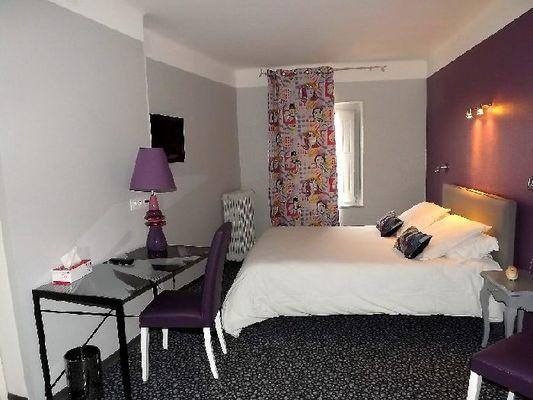 Photo 4 chambre couleur mauve