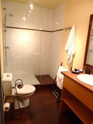 Salle de bains villa gabrielle sauvian le 7 janv 2013