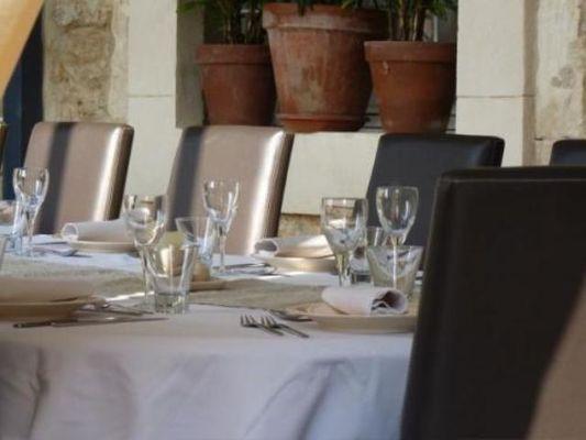 Table d'Hôte (1)