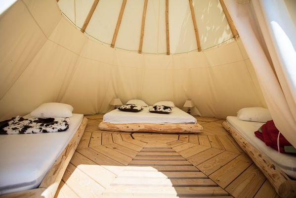 Tipi-vallee-du-jaur-camping-4-etoiles-2