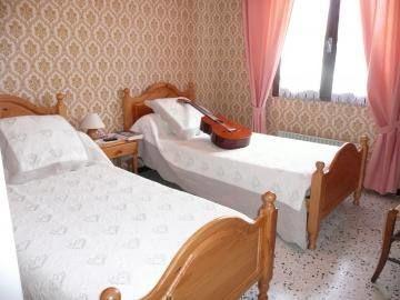 Pièce n°4 : chambre 2 dans le descrptif
