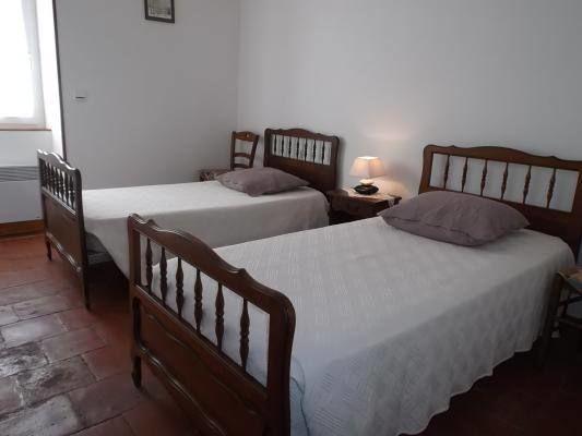 Chambre  à 2 lits.