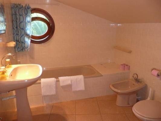 L'une des 2 salles de bain