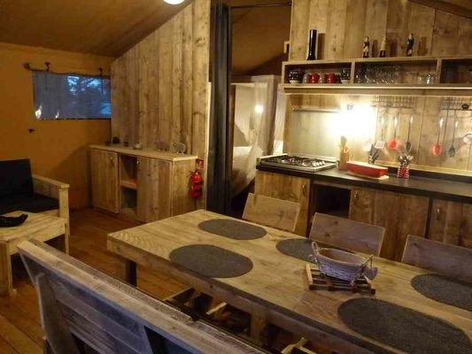 camping-domaine-le-vernis-minervois-herault-languedoc-lodge-safari-woody