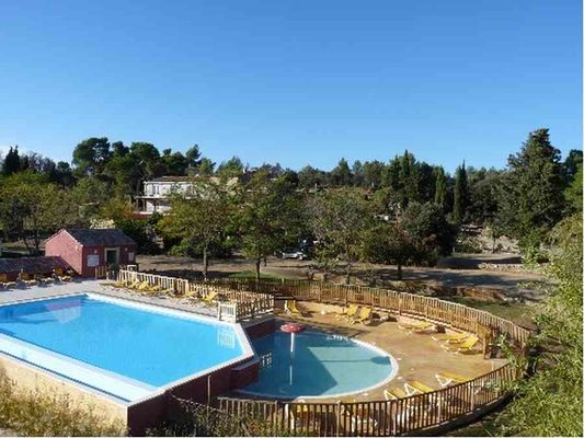 camping-domaine-le-vernis-minervois-herault-languedoc-piscine