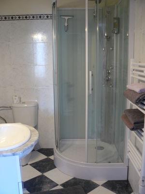 Salle de douche - Chambre du rez-de-chaussée