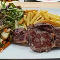 echine-de-cochon-et-frites-maison